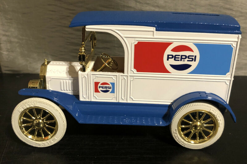 Ertl Pepsi Cola 1917 Ford Model T Van Bank NOS