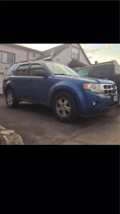 *PRICE DROP* 2009 XLT V6 AWD FORD ESCAPE NEED GONE