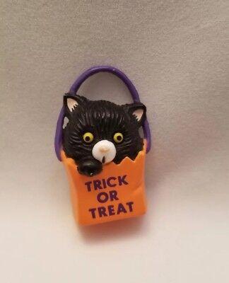 Gibson Halloween Costumes (Vintage Black Cat in Orange Bag Halloween Brooch Hallmark Gibson Greetings Pins)