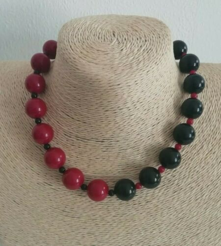 Vintage Black Pink Beaded Necklace Kitsch Retro Classic Mod Rockabilly Quirky