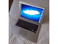Macbook Air Apple laptop 13inch widescreen in full working order