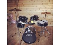 "Drum kit - tornado mapex 18"" full set"