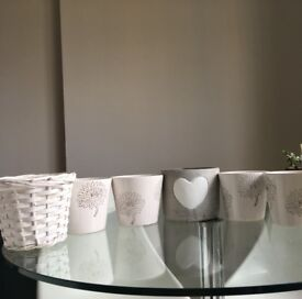 5 X ceramic pots + 1 rattan pot