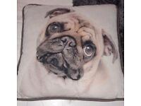 2 pug pillow cases mint con