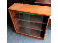VINTAGE LOVELY LITTLE BOOKCASE OR /GLASS CABINET WITH INTERNAL SHELVES VIEWING WELCOME