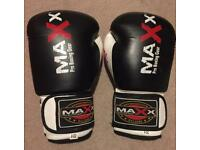 Boxing gloves 8 oz small