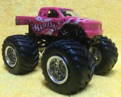 Hot Wheels 1:64 Monster Jam •   MADUSA Hot Pink Body (K) ()