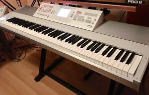 Korg M3  88 notes piano clavier