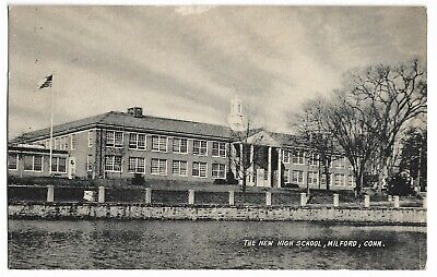 Vtg Post Card The New High School, Milford, Connecticut (The Connecticut Post)