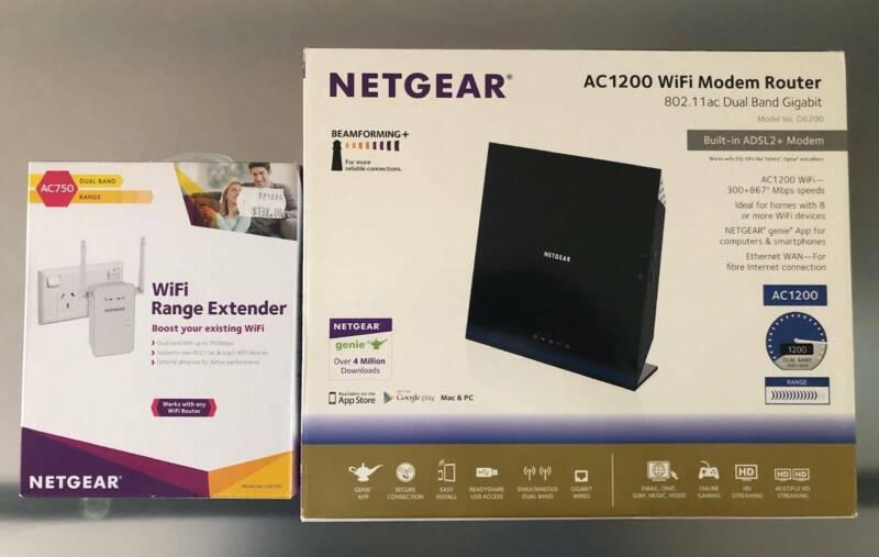 Netgear AC1200 WIFI Router & Ranger Extender Bundle Pack