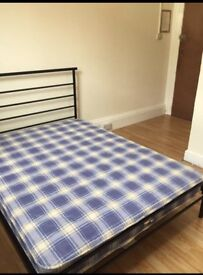 Ensuite rooms to let from £65