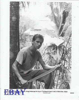 River Phoenix W Machete Mosquito Coast Vintage Photo