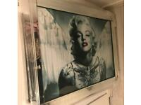 Marilyn Monroe large mirrored framed picture
