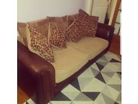 Lovely dark and light brown sofa *Look*