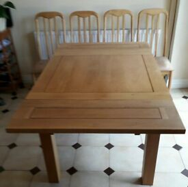 Oak Dining Table With 4 High Backed Padded Chairs