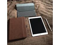 Apple iPad Pro 32gb WiFi & 4G 9.7in Rose Gold. iPad Pro Smart Keyboard. Apple Pencil. Leather Case