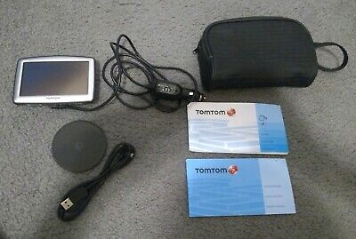 TomTom XL GPS Bundle w/ Cords Manuals and Case