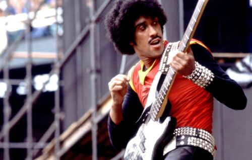 "🇮🇪THIN LIZZY! -Phil Lynott rare 8x10"" photo!! Too cool!!🍀"