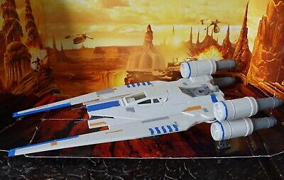 STAR WARS VEHICLE  2016 ROGUE ONE  COLLECTION U WING FIGHTER