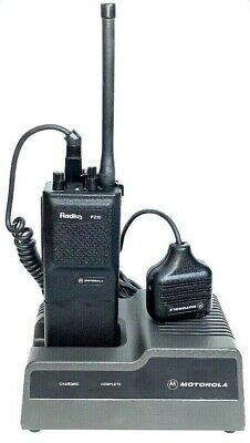 Motorola Radius P210 Handie-Talkie FM Radio