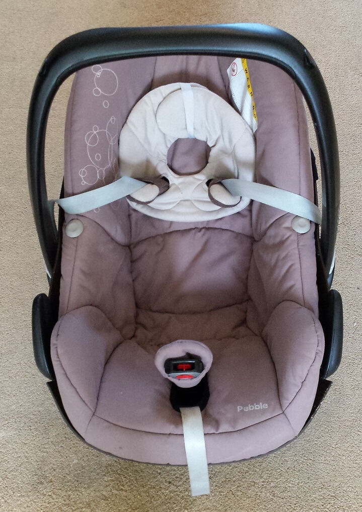 Maxi Cosi Pebble car seatin Knowle, BristolGumtree - Maxi Cosi Pebble car seat. Brown colour, great condition. It has not been involve in any accidents. Rain cover included. Minor marks/stains on strap and cover. From a smoke free and pet free house. Buyer collects