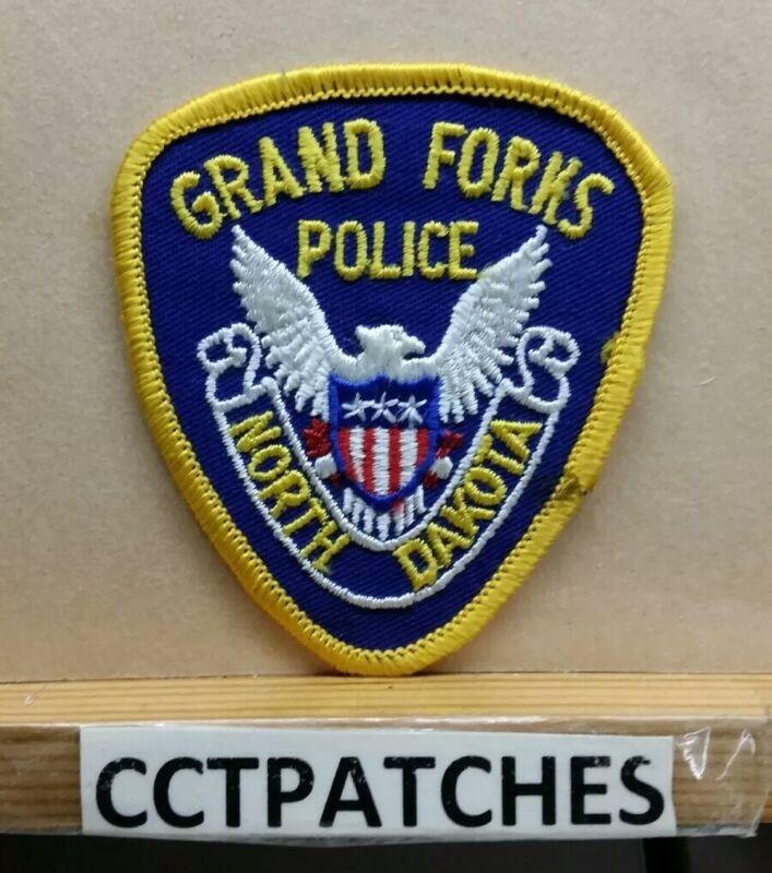 GRAND FORKS, NORTH DAKOTA POLICE (SMALL) SHOULDER PATCH ND