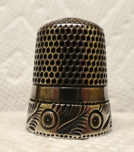 STERN BROS. THIMBLE, ORNATE BAND, LARGE SIZE 11