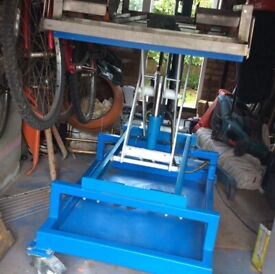Hydraulic lifting mobile table excellent transformer