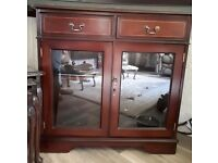 Reproduction cabinet