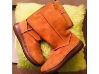 Rocket Dog, Chestnut, Size 7 boots