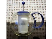 Tea Infuser [Suitable for use with loose leaves or bags]
