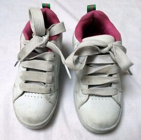 Girls size 2 Heelys (or 'Heeleys') Genuine - Pink and White