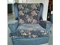 Five-piece sofa/armchair set
