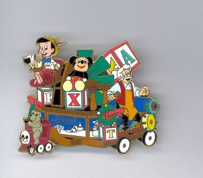 Disney Disneyland Christmas Parade Pinocchio Geppetto Toy Factory Float Lg Pin](Christmas Parade Floats)