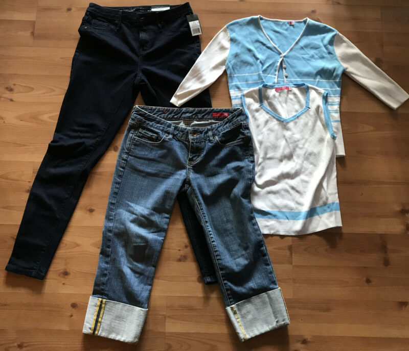 Lot Of 4 Junior Girl Jeans, Capris, Sweater Set Size 2 Size Small