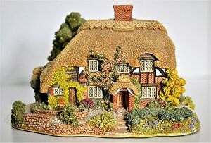 Lilliput Lane HONEYSUCKLE COTTAGE 1992 #0250 *New with Certificate* Retired *FS*