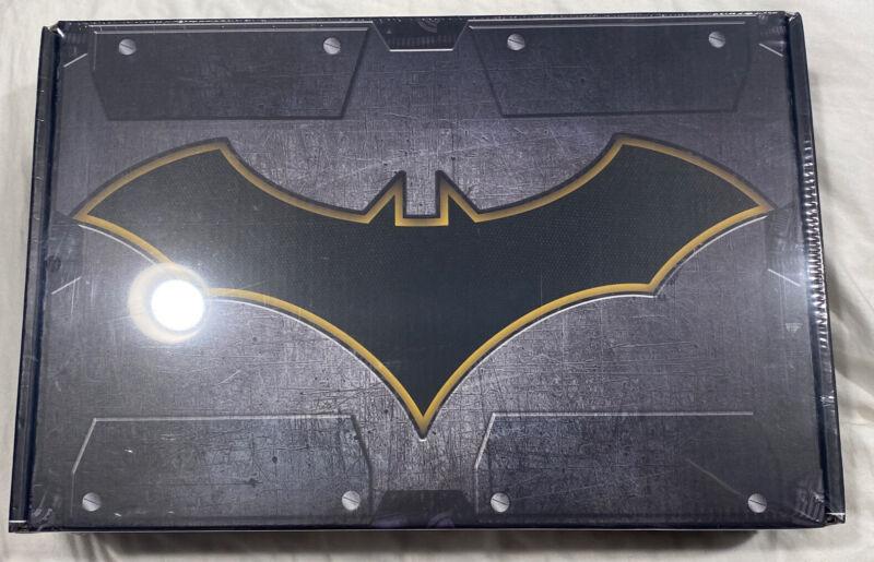 Worlds Finest Batman Box Culturefly Vinyl Figure T-Shirt M NEW