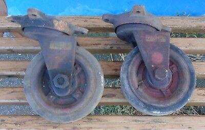 2 alte antike Eisenräder Rollen Vintage Palettenmöbel shabby Loft Top Drehbar !! ()