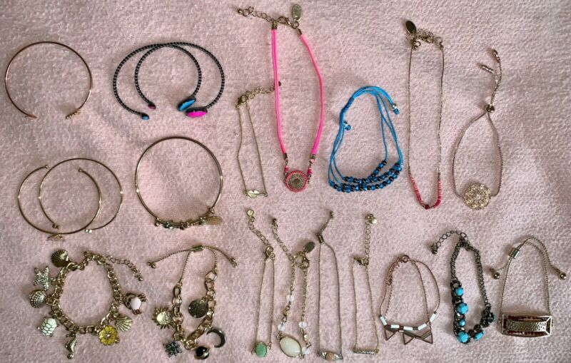 LOT OF 20 Charming Charlie Kohl's LC Lauren Conrad Bracelets Fashion Jewelry