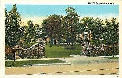 Globe Park Lamp - Bryan Ohio~Garver Park~Ornate Stone Pillar Entrance~Globe Lamps~1940s Linen PC
