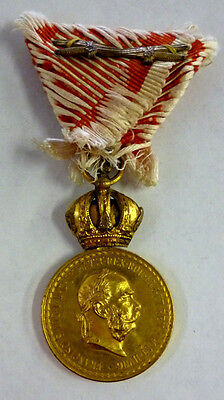 Austria Air Decorative Medal Austrian WWI Medal w/ Swords
