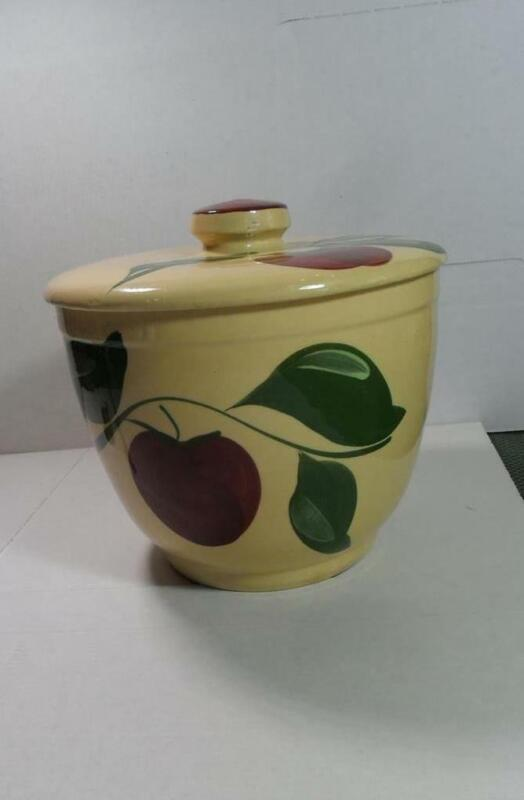 VINTAGE WATT POTTERY APPLE PATTERN COVERED BOWL ICE BUCKET WITH LID NO  MARK
