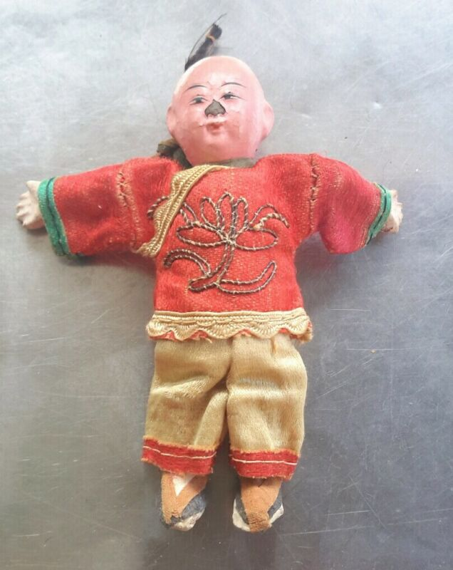 """VTG ANTIQUE COMPOSITION CHINESE MALE DOLL IN EMBROIDERED SILK CLOTHING 3.75"""""""