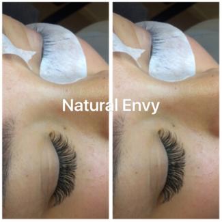 Eyelash extensions volume lash