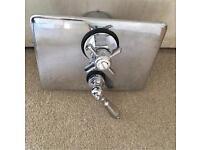 Concealed shower valve - classic design