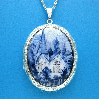 Christian Porcelain BLUE DELFT Look CHURCH ST CAMEO Locket Pendant Necklace Gift