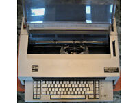 IBM 6747 electronic TYPEWRITER used in nice condition.