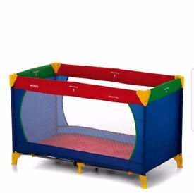 Hauck Dream n Play Travel Cot ( New)