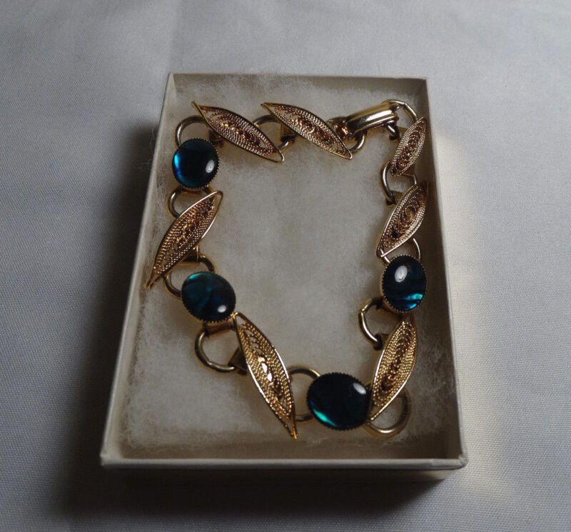 Vintage Bracelet: Gold Tone Leaves with Blue Stones (with original gift box)