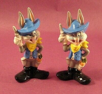 Lot of 2 collectible Warner Bros 1993 Bugs Bunny Salt shakers cowboy outfit  - Bugs Bunny Outfit